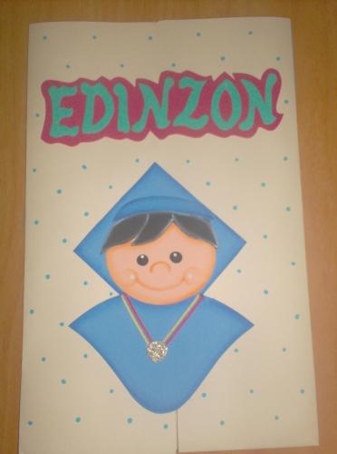 de Grupo de Labores y manualidades > Carpeta para graduando niño