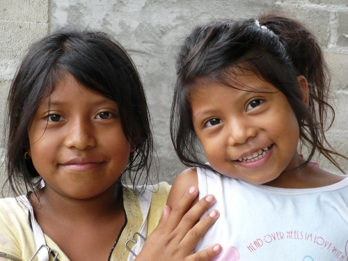 Paraguay; Un Pais Indigena O Un Pais Blanco, O Ni Lo Uno