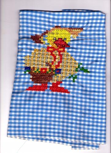 patito bordado en punto español