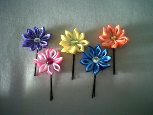 Imagen Pincho con flores japonesas. - grupos.