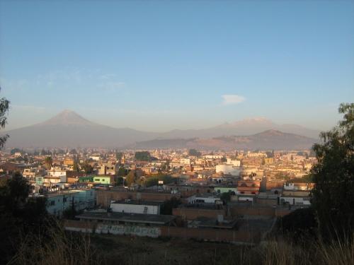 Popocatépetl y mujer dormida (Iztaccihuátl)
