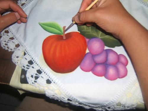 Manteles con frutas pintadas en canasta - Imagui