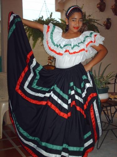 """Traje T�pico Mexicano """"Baile el son de la Negra"""""""