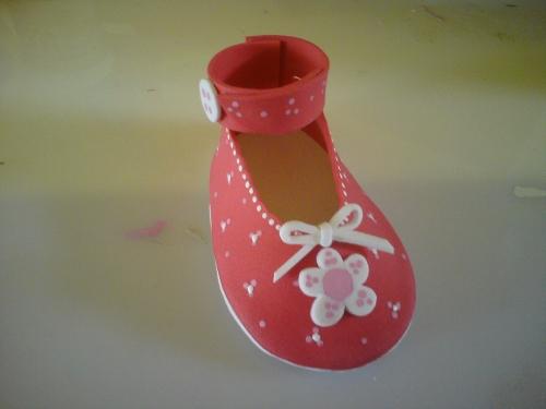 Imagen Zapatilla para bebé hecha con foamy - grupos.emagister.com