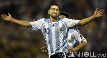 Erasmo con la camiseta de Argentina